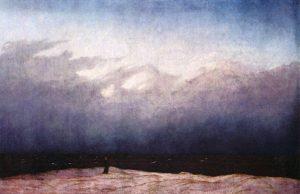 Gemälde. Ein Mönch steht allein am Meer. Das Meer wirkt schwarz. Leichter Nebel liegt über dem Meer.